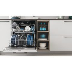 Indesit Built In Full Size Dishwasher